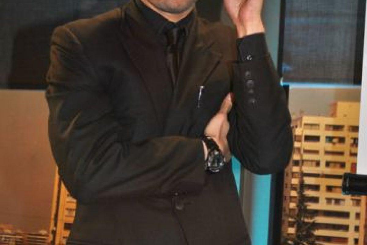 Eduardo Paxeco es Nikolay Curilén, el guapo y rudo guardia de seguridad del Palacio Garay, centro de eventos especializado en matrimonios propiedad de Eloy (Juan Falcón) el padre de Griselda (Begoña Basauri). Nikolay es uno de los secretos amantes de la ambiciosa y conflictiva Griselda y será su secuaz en sus infinitos intentos por sacar de su camino a su odiada prima Florencia (Isidora Urrejola) a quien envidia enfermizamente desde su mas tierna infancia. Foto:Rodrigo Vilches / Publimetro. Imagen Por: