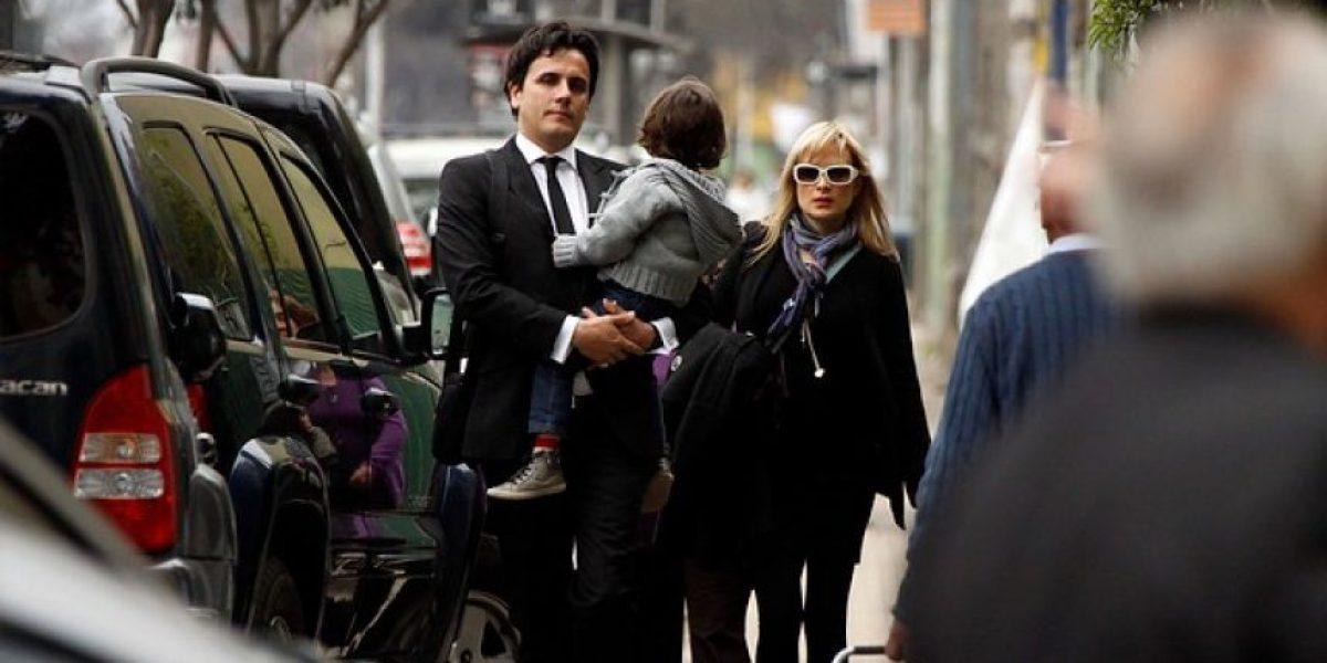 [FOTOS] Nicole llegó junto a Sergio Lagos y su hijo a despedir a su madre