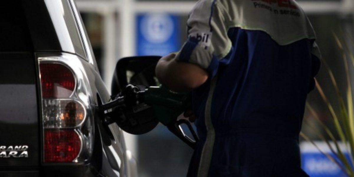 Econsult: Precio promedio de las gasolinas se incrementaría $5 a partir del jueves
