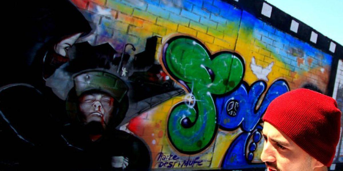 [FOTOS] Grafiteros pintan murales por la