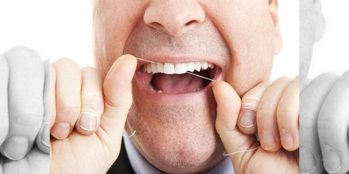 Reos demanda a la cárcel por no permitir el uso de hilo dental