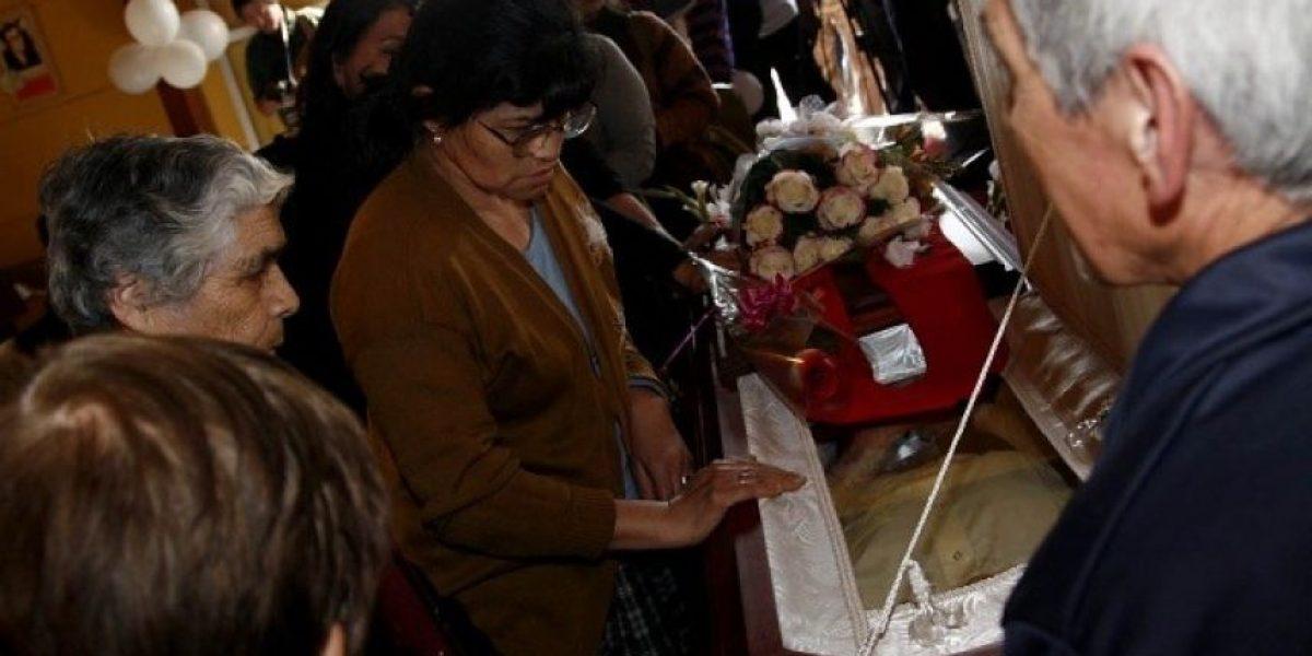 [FOTOS] Vecinos de La Victoria despiden con respeto y emoción al padre Pierre Dubois
