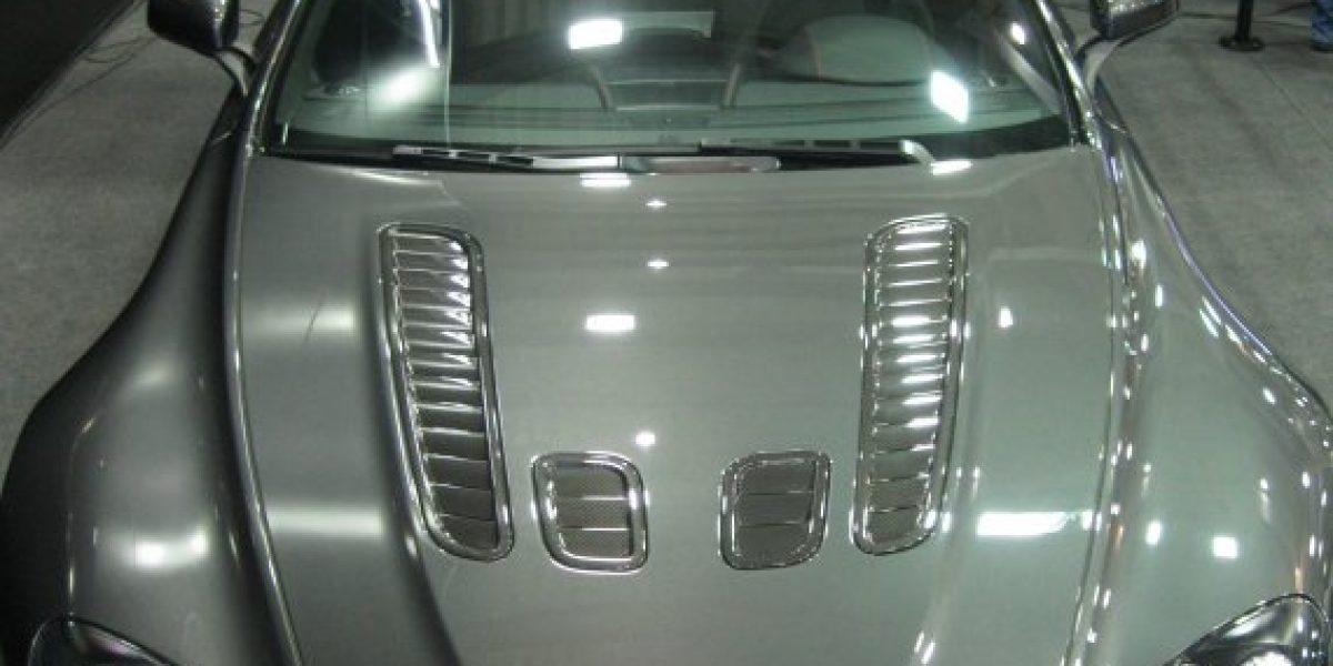 SALÓN DE SANTIAGO: Aston Martin se luce con sus joyas