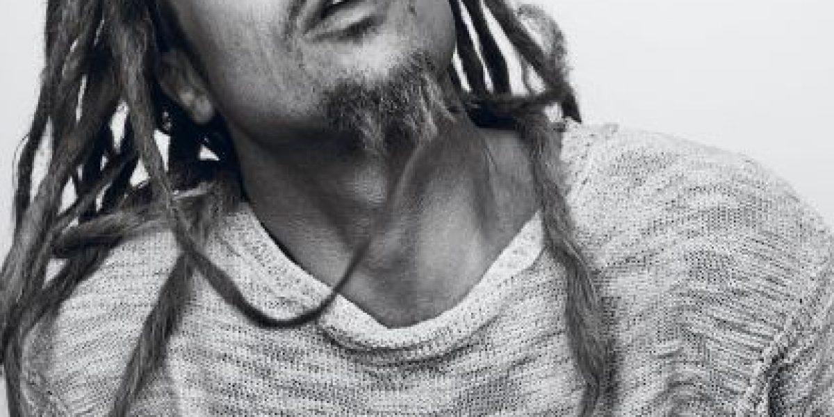 [FOTOS] Brad Pitt sorprende transformándose en Bob Marley