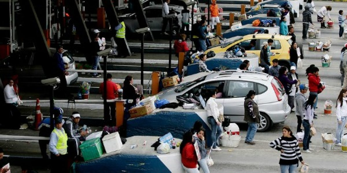 MOP afronta masiva salida de vehículos por fin de semana largo con