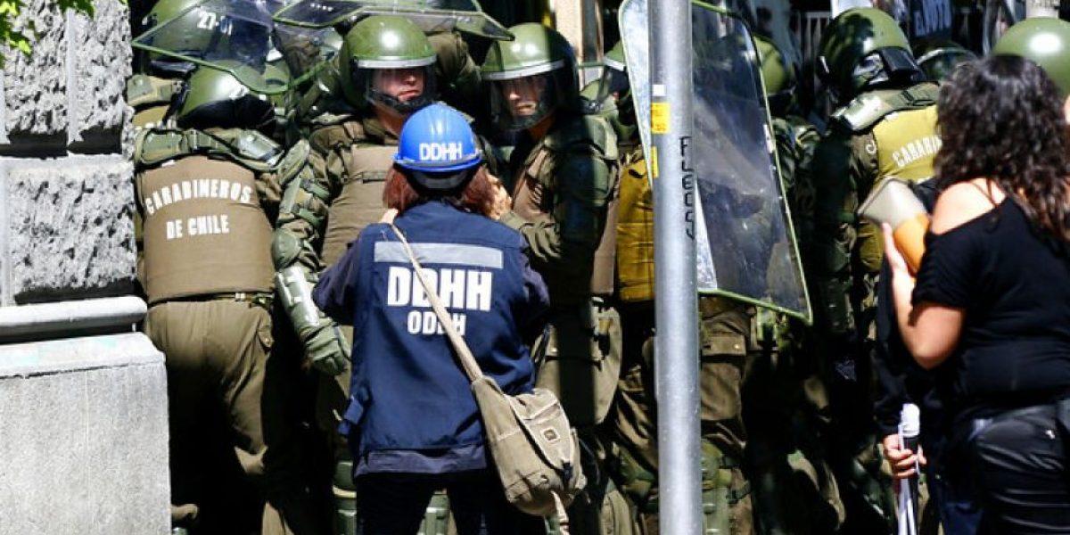 [FOTOS] Violento desalojo del Injuv deja varios detenidos