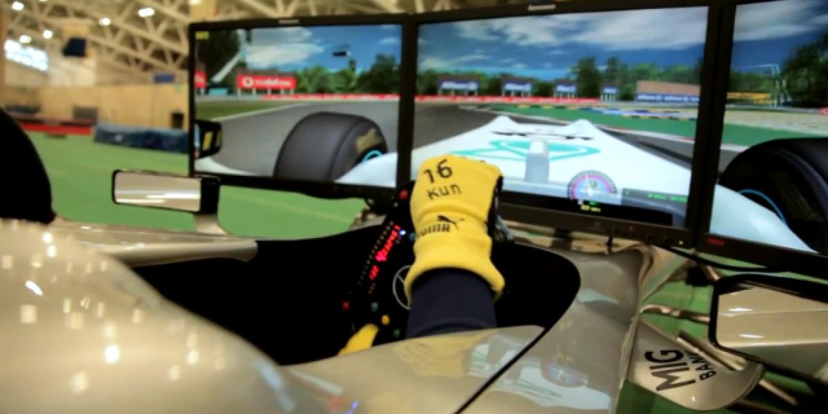 Mira como Sergio Agüero trata de batir en carrera a Nico Rosberg