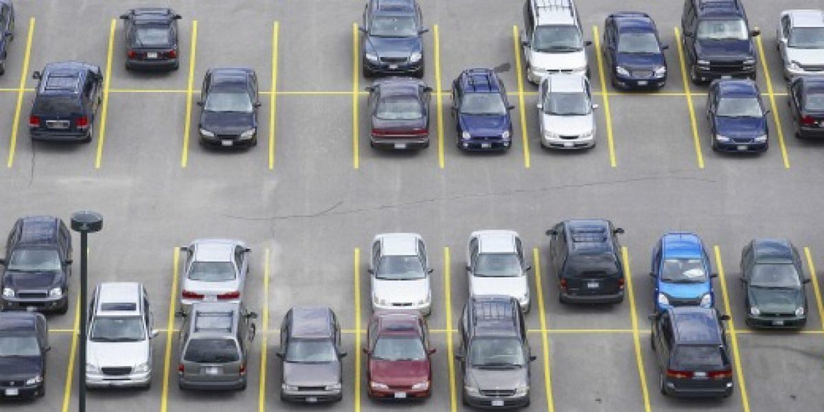 Justicia condena a estacionamiento a pagar $3 millones por robo de maletas