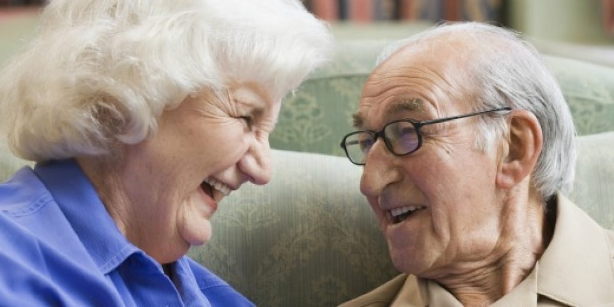 Sernac y Senama firman convenio para mejorar atención de los adultos mayores