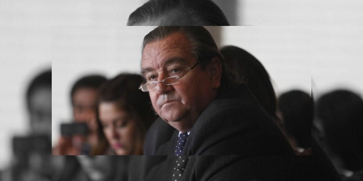Ex alcalde Labbé dejó su cargo abruptamente y se fue de vacaciones