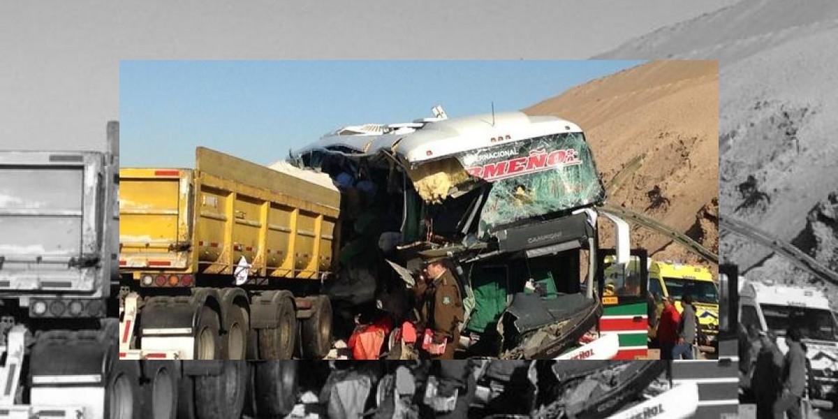 Seis muertos deja choque entre un bus y un camión en el Norte