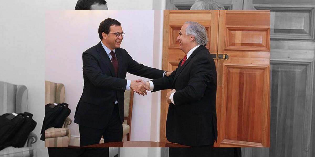 Hinzpeter se despide de Interior con una reunión con Andrés Chadwick
