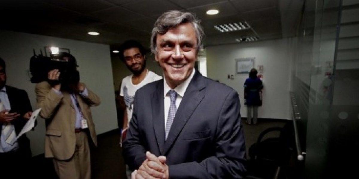 Ministro Longueira destacó el aumento de las remuneraciones en octubre