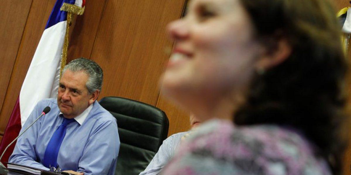 [FOTOS] Distendido encuentro entre Alcalde Sabat y Maya Fernández en Ñuñoa