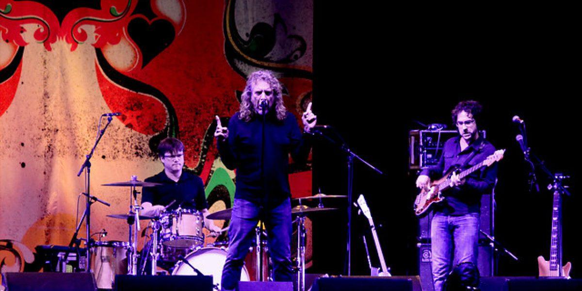 Robert Plant encanta junto a Los Jaivas en el Movistar Arena