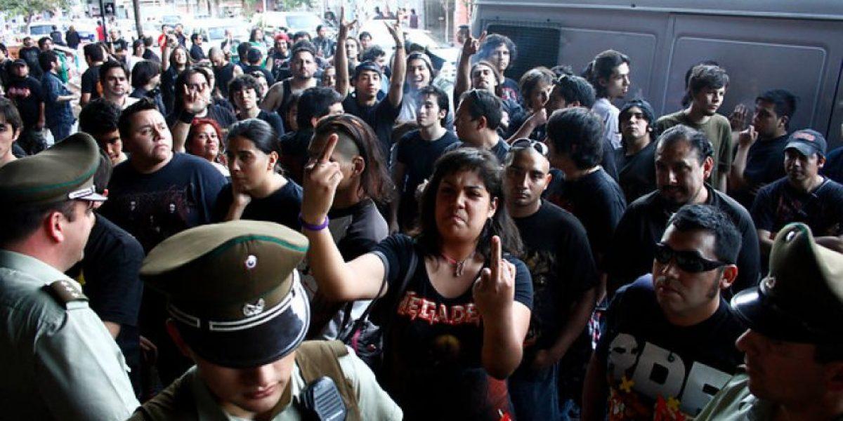 [FOTOS] Frustración y rabia entre fanáticos de Slayer tras suspensión de concierto
