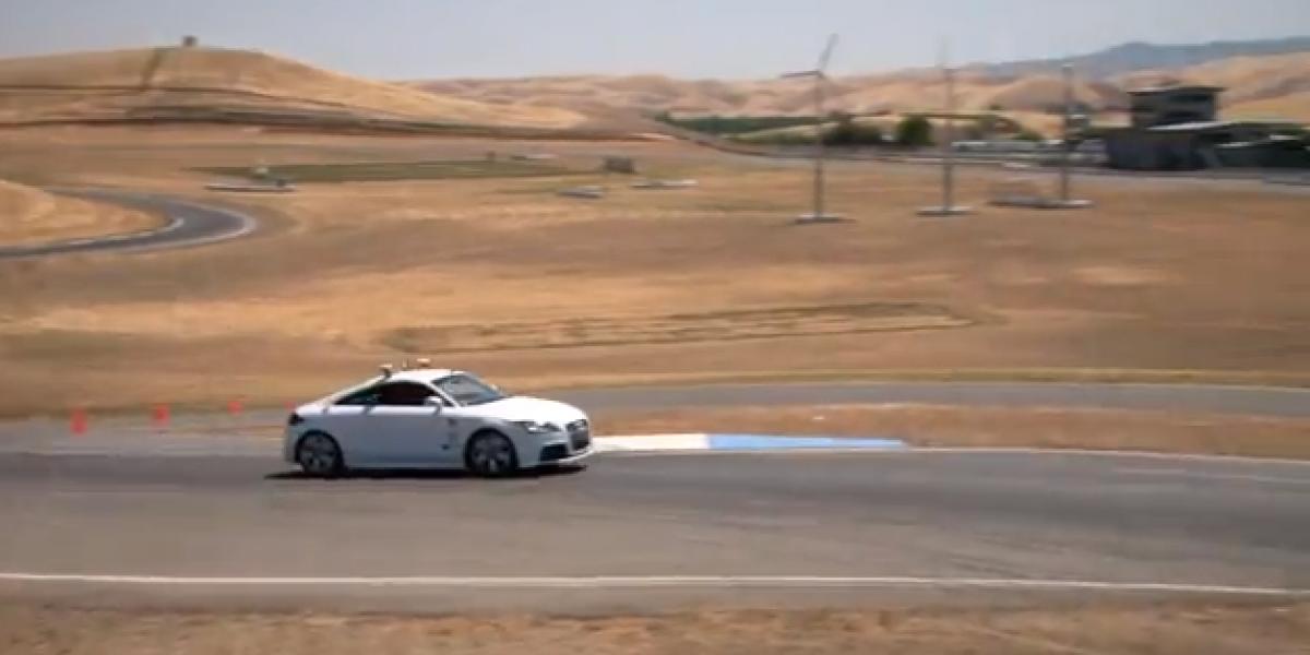 El Audi TT que alcanza los 200 km/h sin que nadie tome el volante