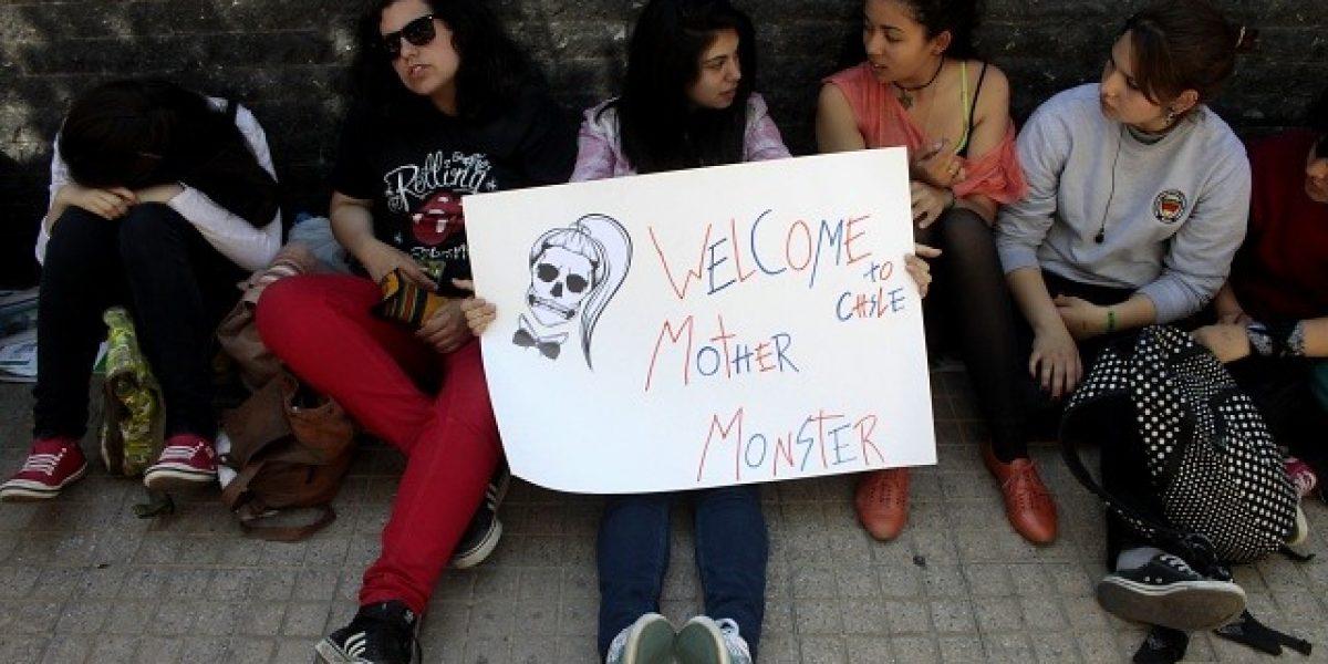 Fans llegan hasta hotel donde alojará Lady Gaga