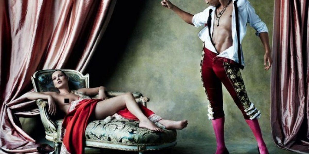 Kate Moss posa en topless para portada de revista