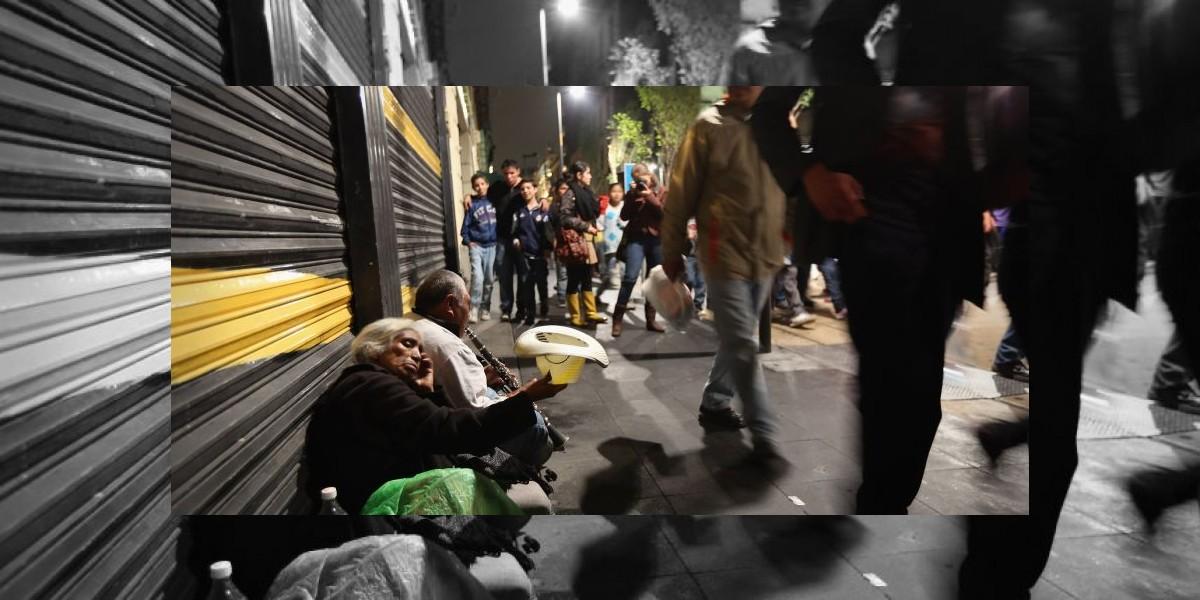 Mujer que dormía en la calle y comía basura era multimillonaria