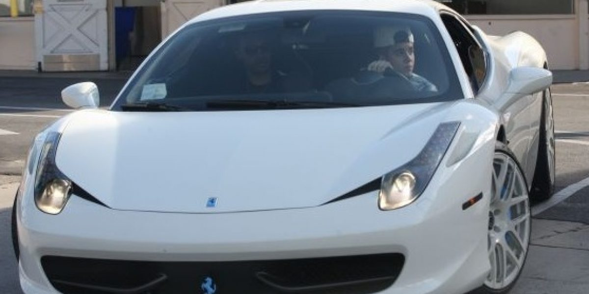 FOTOS: Justin Bieber olvidó las penas de amor con su nuevo Ferrari 458 Italia