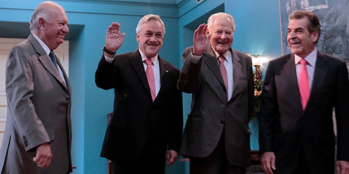 Presidente Piñera recibe a ex mandatarios para analizar defensa en La Haya