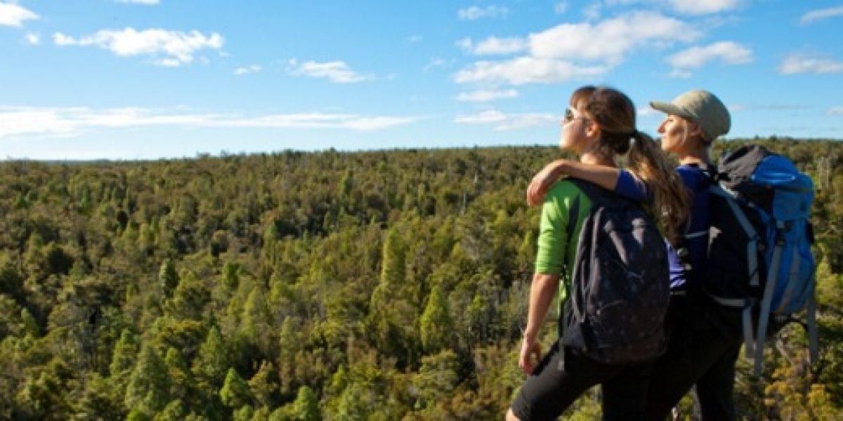 Lanzan guía turística con más de 500 ofertas sólo para mujeres