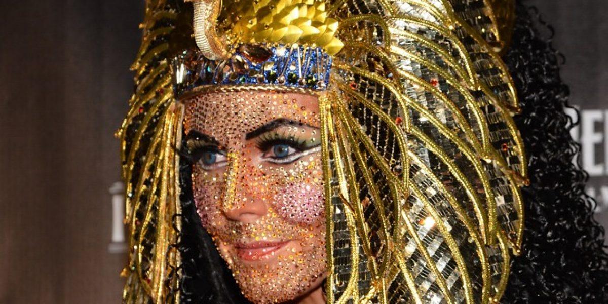 Heidi Klum brilló con cristales en su rostro como Cleopatra