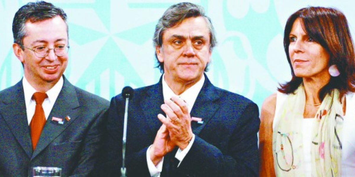 Ministro Longueira destaca logros en cuenta pública 2012
