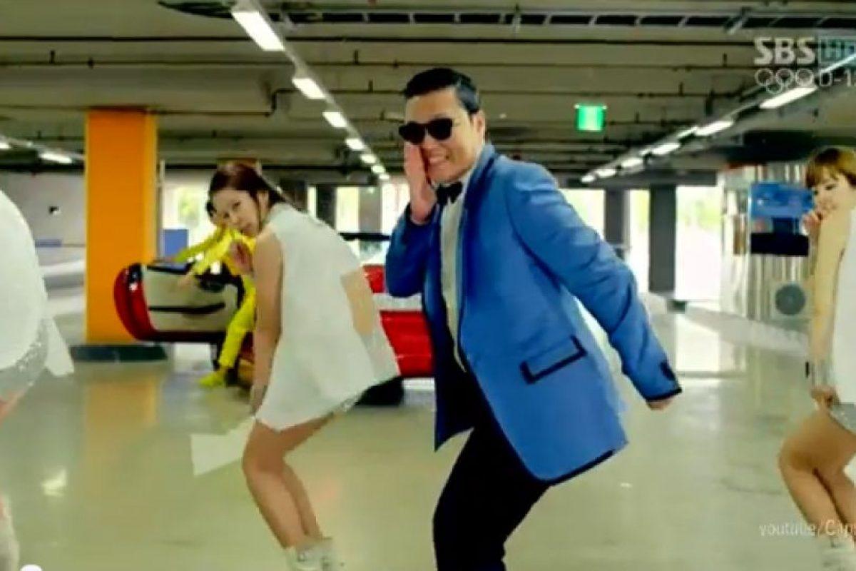 """El más visto de la historia, el """"Gangnam Style"""": Si bien su momento peak ya está pasando, en Chile también ha pegado el video del tema """"Gangnam Style"""" del surcoreano PSY. Desde que se convirtió en hit tuvo más de 17 millones de reproducciones en el país. Foto:Youtube. Imagen Por:"""