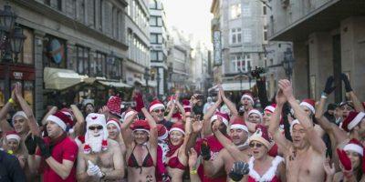 """En traje de baño y vestidos de """"pascueros"""" corrieron en Budapest"""