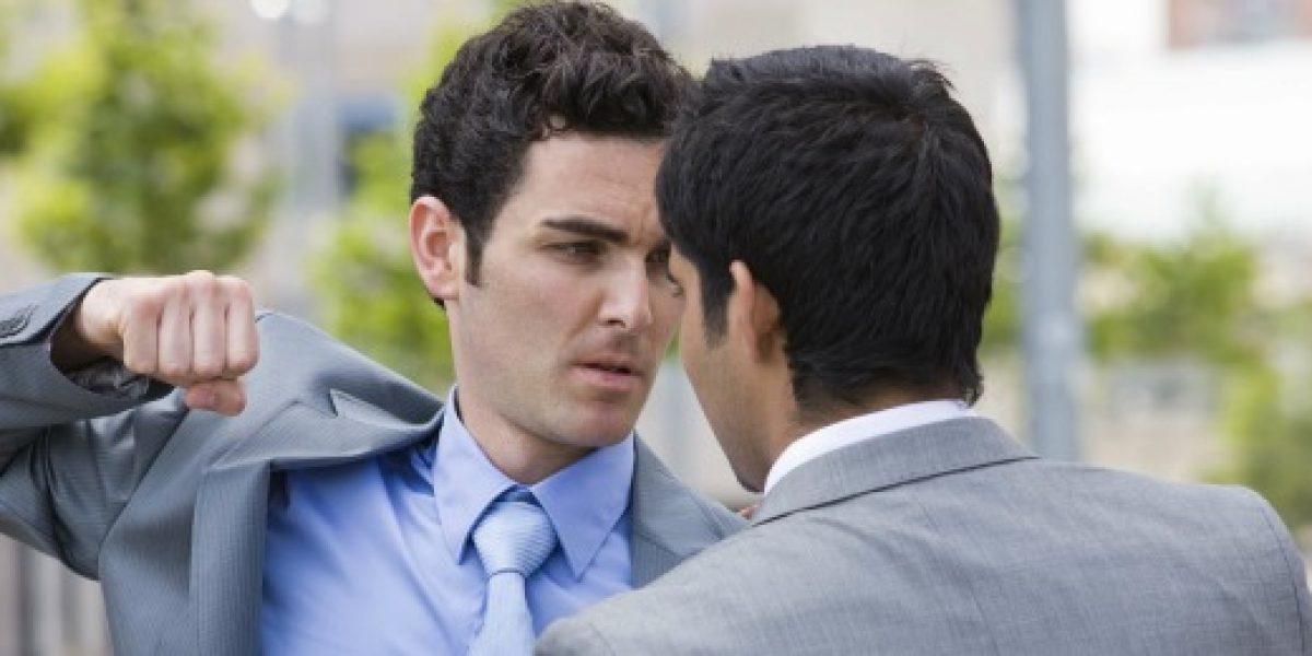 ¿Cómo reconocer a un compañero que se ha vuelto un enemigo?