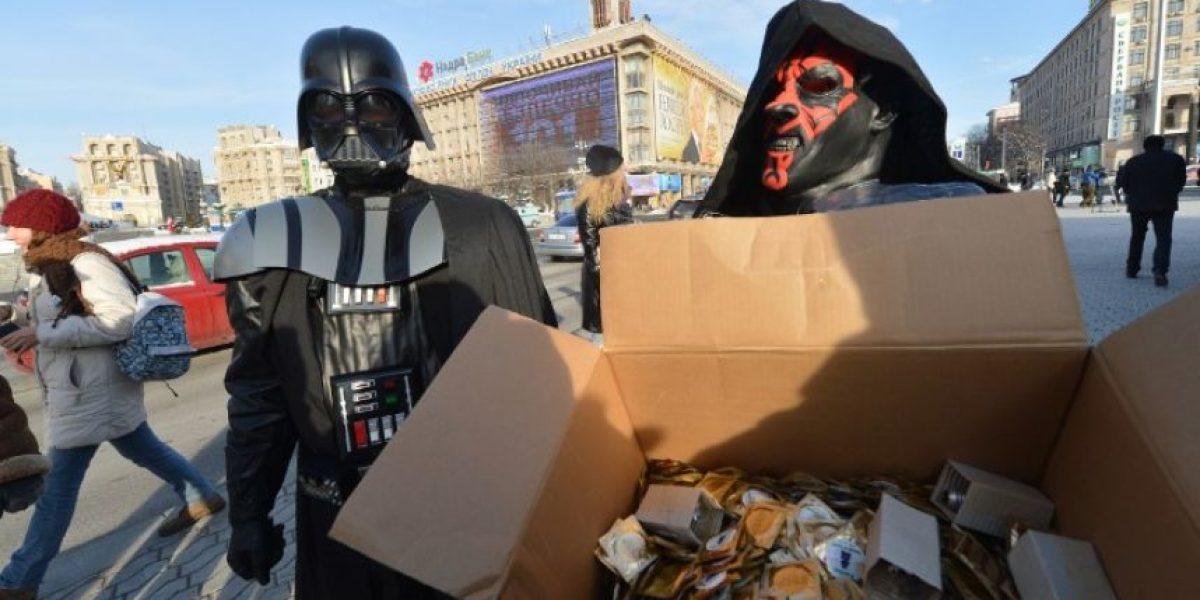 Fotos: Así esperan el fin del mundo los personajes de Star Wars en Ucrania