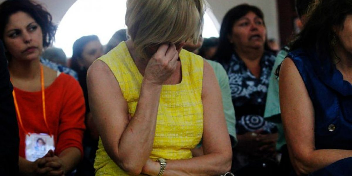 [FOTOS] Ministra Matthei se quiebra en emotiva misa de Navidad en la cárcel de mujeres