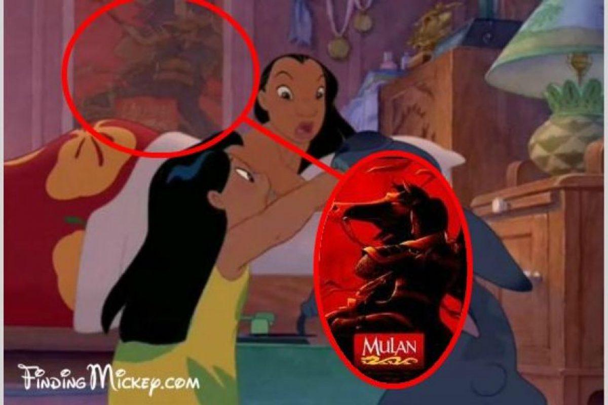 Un póster de Mulán en Lilo & Stitch Foto: dailypix.me. Imagen Por: