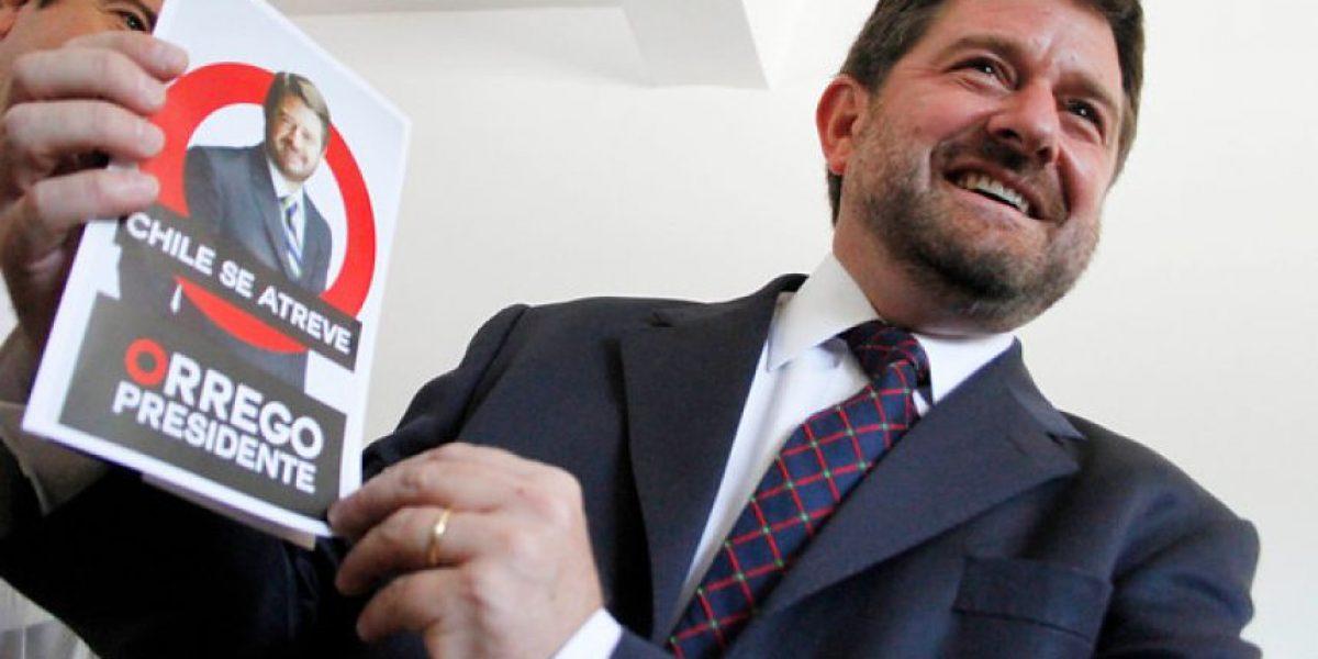 Claudio Orrego presenta sus afiches de campaña presidencial