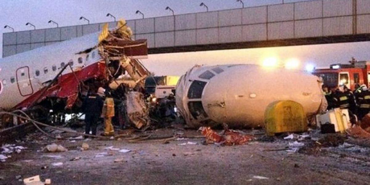 [FOTOS] Así quedó el avión que se partió en tres al aterrizar en Moscú