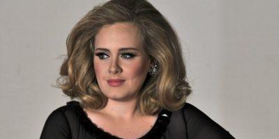 """Adele bautiza a su hijo como """"pequeño cacahuate"""""""