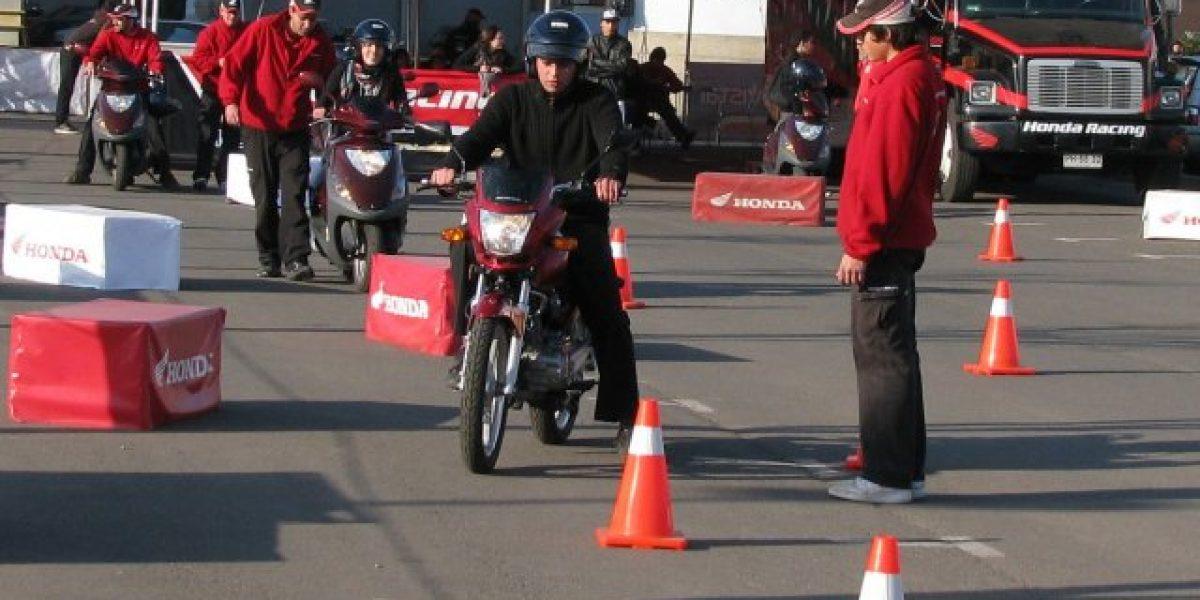 Honda realiza clases gratuitas de conducción de motos