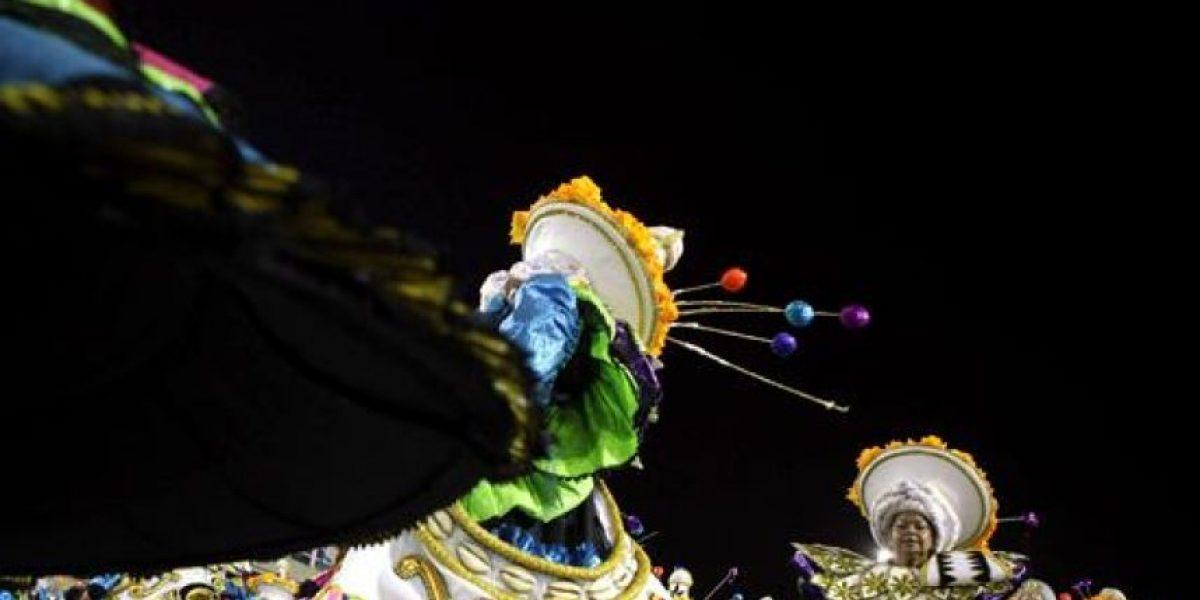 Caos en Carnaval de Río deja a varios heridos por asfixia