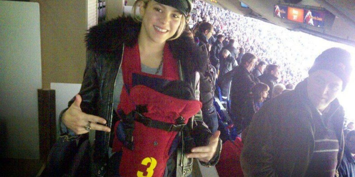 Shakira y Milan le dan suerte a Pique: Asisten al Camp Nou
