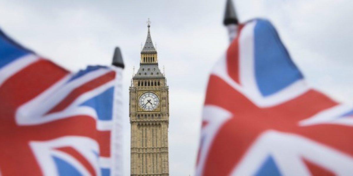 Tribunal declara ilegal programa del gobierno británico que obligaba a trabajar sin sueldo