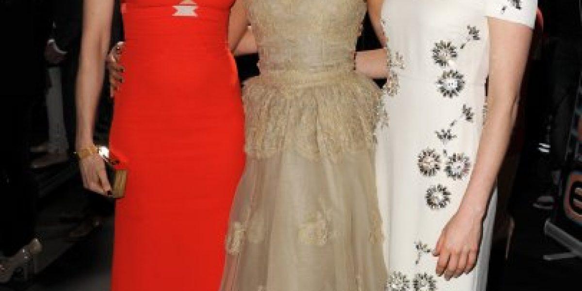 Fotos: Mila Kunis hace aparición en alfombra roja y vivirá con Ashton Kutcher