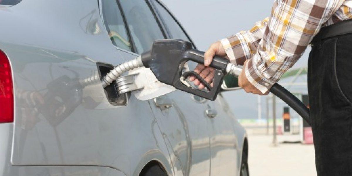 Tal como se esperaba: precios de las bencinas subirán hasta $16 por litro este jueves