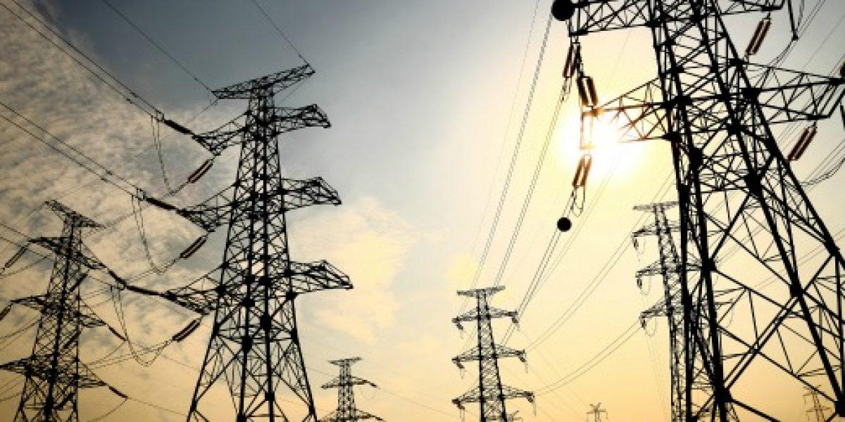 Cuentas de electricidad bajarán 1,8% promedio entre Tal Tal y Chiloé