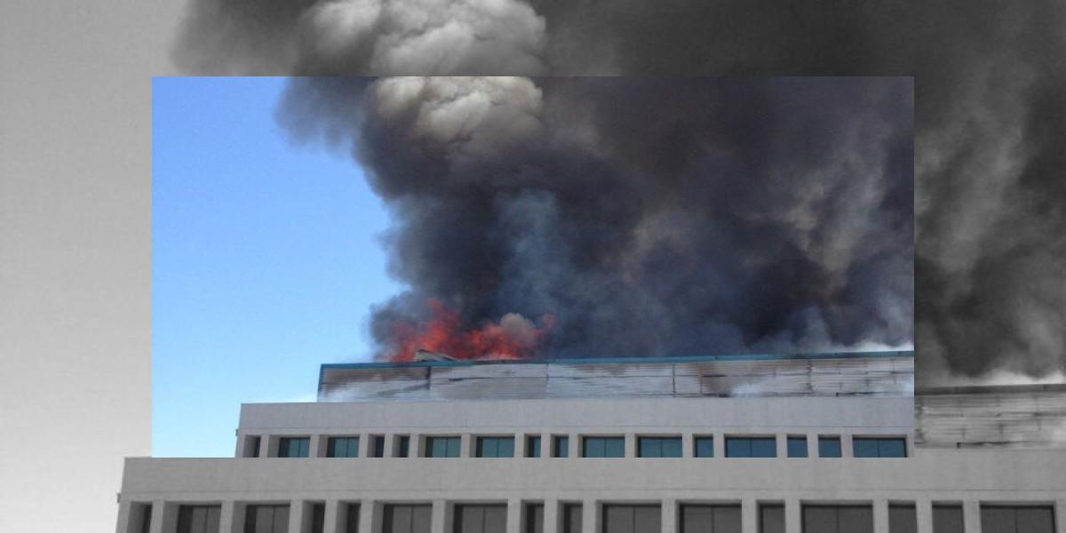 Un gran incendio afecta a las bodegas de la planta BP en Huechuraba