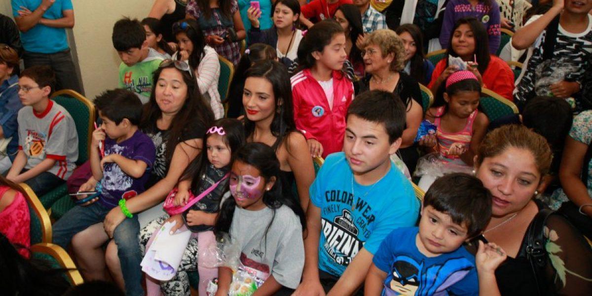 Fotos: Candidatas a Reina del Festival comparten con niños de Viña del Mar