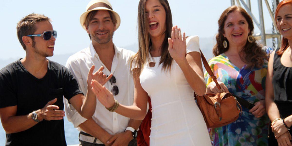 La espectacular Carolina Mestrovic se lució en lanzamiento de la teleserie de CHV