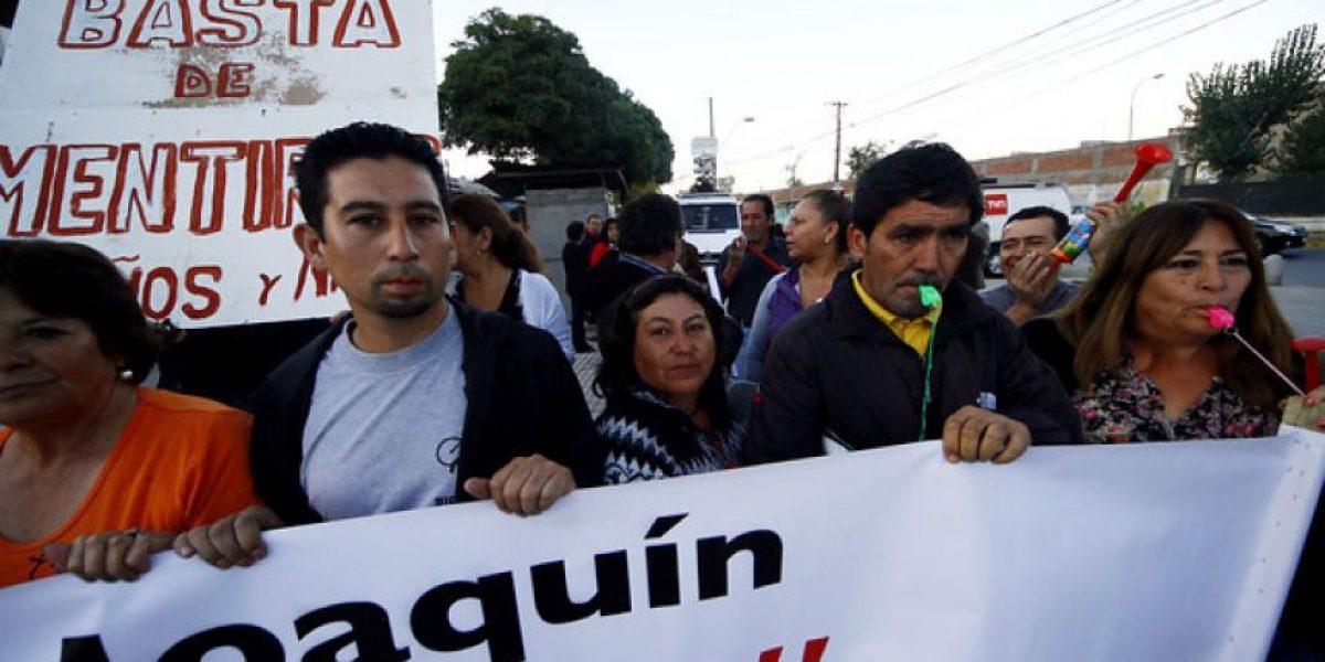 [FOTOS] Vecinos de San Joaquín protestan por lenta reconstrucción tras terremoto del 27/F