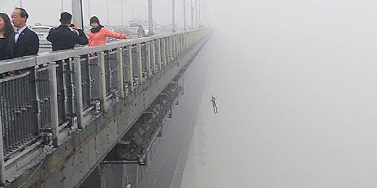 Impactante: Sujeto fotografía el momento exacto de un doble suicido en China